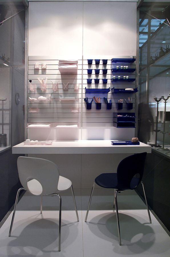 Arredamento ufficio genova amazing tavolo per riunioni e for Arredo ufficio genova