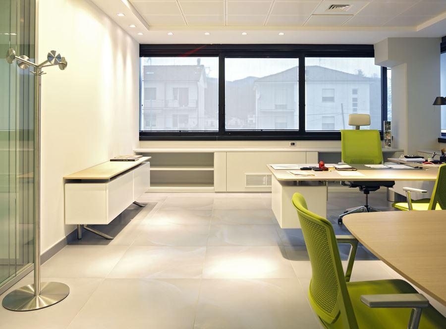 Arredo ufficio genova stunning la nostra azienda presente for Arredo ufficio genova